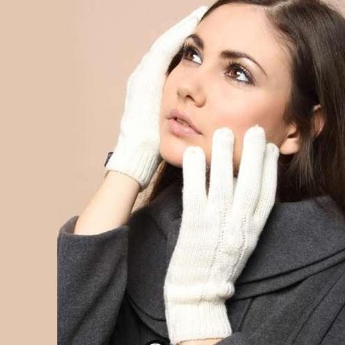 woolen Ladies White Woolen Gloves
